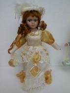 bambola in porcellana 30 cm circa