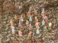 statuine presepe di natale - statua di plastica 10 cm colori tenui - 24 pezzi - 1 scatola - 8033113005923
