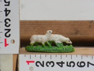 Millenium Christmas  personaggi presepe pecora  con base verde cod 112