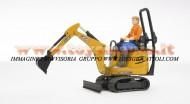 Bruder bworld JCB Micro escavatore 8010 CTS con figura personaggio omino con camicia arancio , altri modelli con lo stesso codice         [ cod 62002 ]