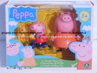 La famiglia di Peppa Pig con accessori  di Giochi Preziosi - Mamma Pig e Peppa con Teddy e la sua bicicletta cod. 05320