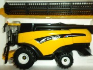 Britains  Trebbia NEW HOLLAND NH   cx 880  cod 40527
