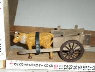 Millenium Christmas. Carretto in legno con statuetta di bue! cod.375