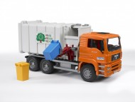 Bruder 02761 MAN TGA trasporto rifiuti caric. laterale (arancio) [cod 02761] scala 1/32