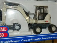 SIKU MOVIMENTO TERRA Escavatore gommato cod 3527 scala 1/50 new color