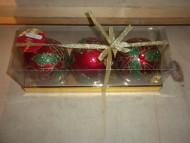 palline decorative natalizie per albero di natale e vetrine dei negozi