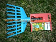 Rastrello per foglie giocattolo, accessorio da intercambiare con altri attrezzi della stessa ditta gardena