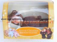 Anne Geddes - Bambola cm.23 orsacchiotto di colore marrone scuro