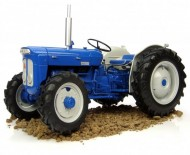 UNIVERSAL HOBBIES Fordson Super Dexta Roadless SCALA 1/16 COD 2901