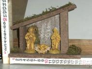 Millenium Christmas. Capanna in legno con sacra famiglia; Statuina di Giuseppe, Maria & Gesù cod. 341