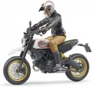 4001702630515 Bruder 63051 - Moto Ducati Desert Sled con Motociclista scala 1/16
