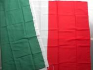 Bandiera Italiana in stoffa Bandiera Italia - 150 x 250  cm circa in vendita